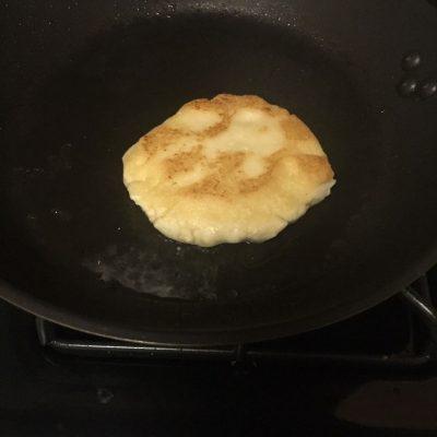 Arepa Frying