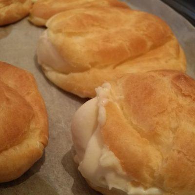 cream pufffs