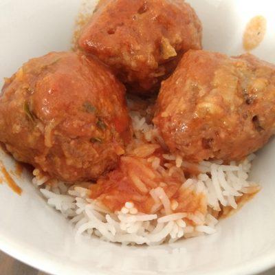 tomato sauce meatballs