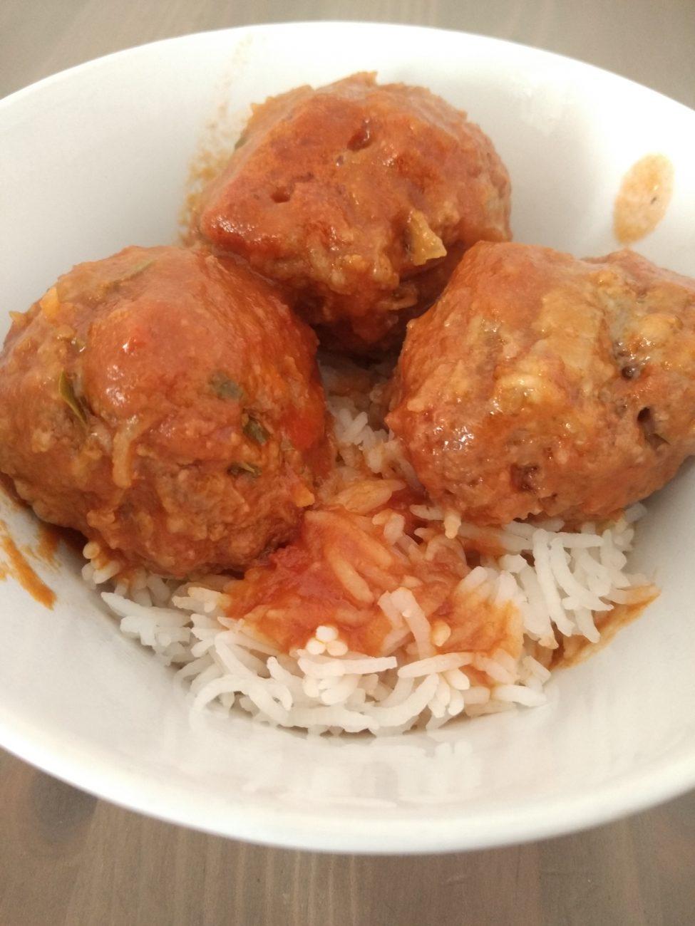 Mom's secret tomato sauce Meatballs recipe