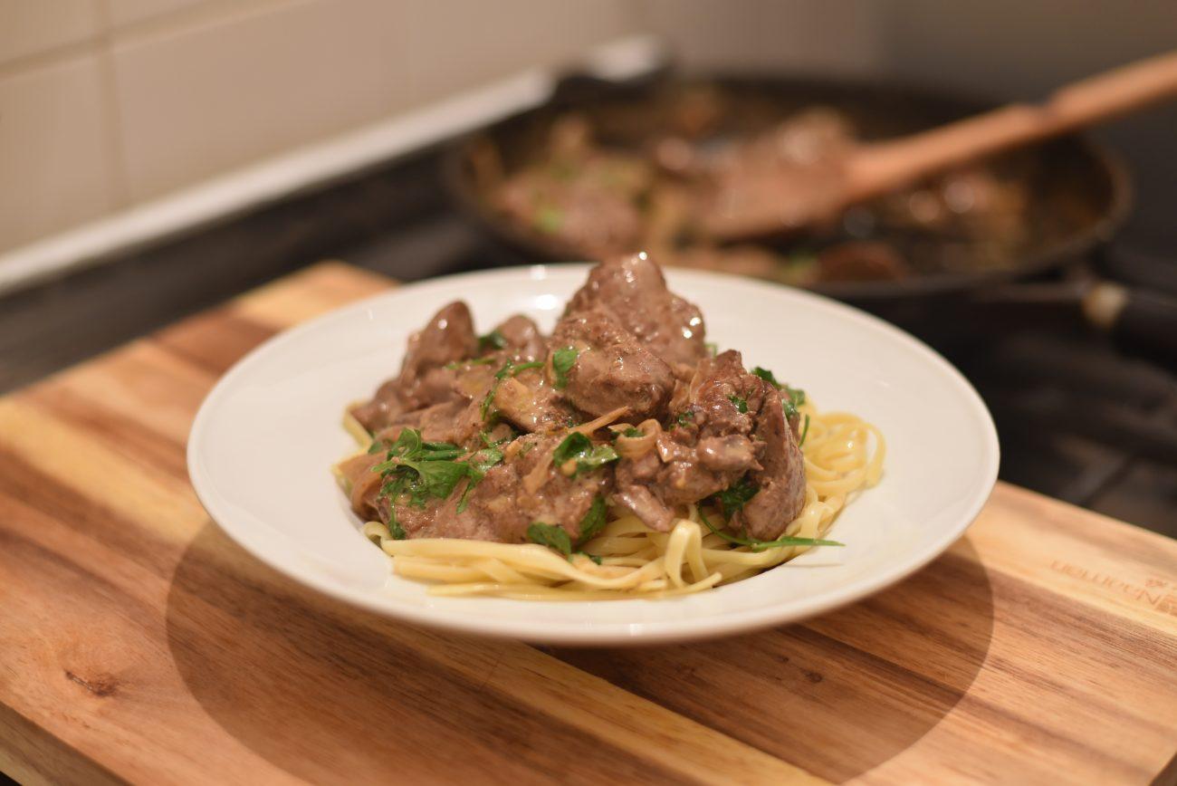 Chicken liver pasta creamy white sauce with soft and tender creamy chicken liver bavette pasta forumfinder Gallery
